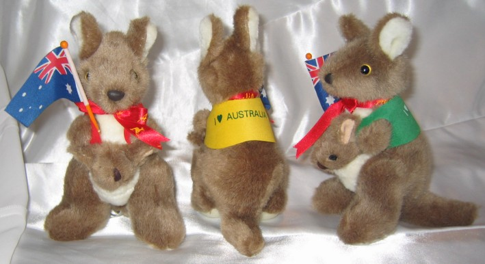Cute 7 inch kkangaroo toy with flag in corporate jackets